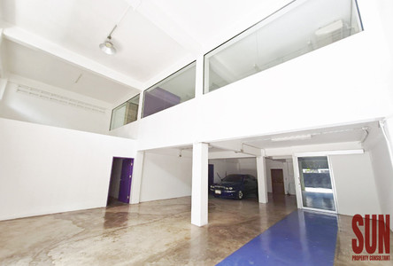 For Sale or Rent Retail Space 830 sqm in Khlong Toei, Bangkok, Thailand