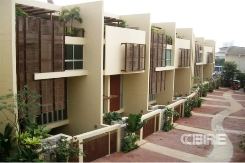 For Sale 4 Beds House in Yan Nawa, Bangkok, Thailand | Ref. TH-EIGOTXHF