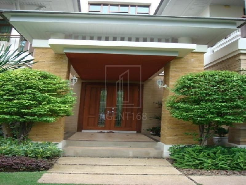 For Sale or Rent 4 Beds 一戸建て in Suan Luang, Bangkok, Thailand | Ref. TH-AHYEFWUM