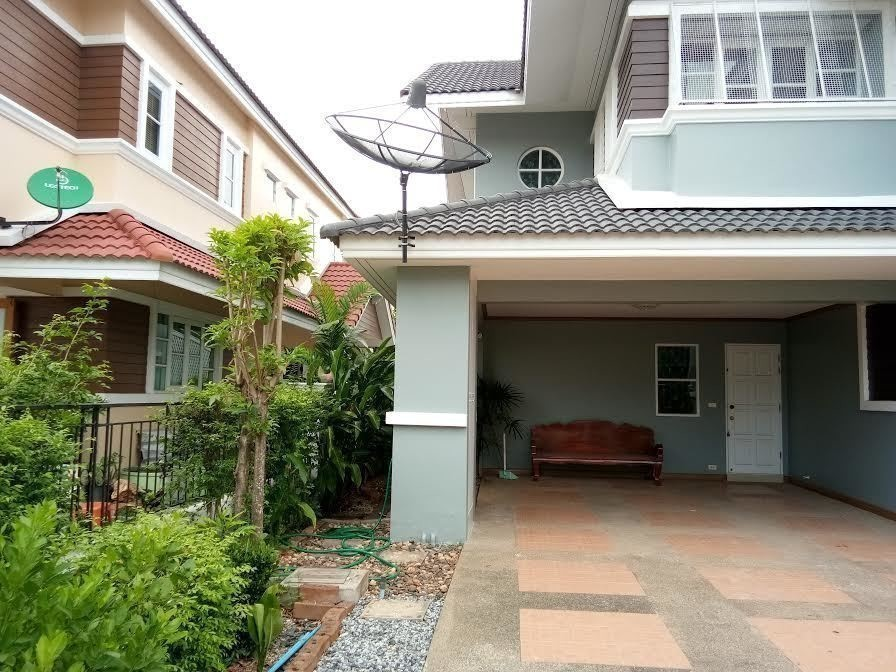 For Sale 3 Beds 一戸建て in Si Racha, Chonburi, Thailand | Ref. TH-WEEVPHRJ
