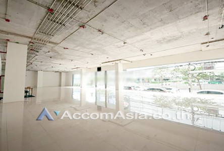 В аренду: Торговое помещение 164 кв.м. в районе Bangkok, Central, Таиланд