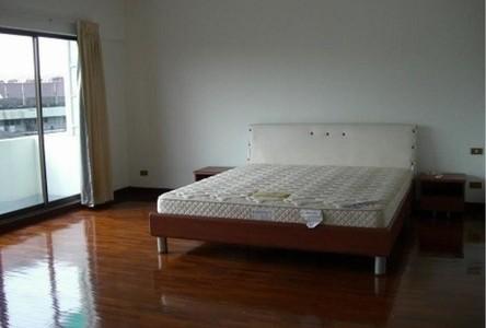 For Rent 4 Beds タウンハウス in Yan Nawa, Bangkok, Thailand