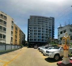 В том же районе - Phra Khanong, Bangkok