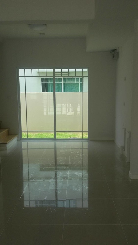 For Sale 2 Beds Townhouse in Bang Bo, Samut Prakan, Thailand | Ref. TH-GLBVZBFT