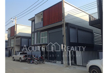 For Sale Warehouse 600 sqm in Krathum Baen, Samut Sakhon, Thailand