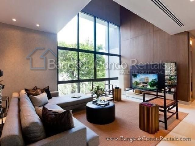 For Sale 4 Beds House in Saphan Sung, Bangkok, Thailand | Ref. TH-WZXEKMSQ