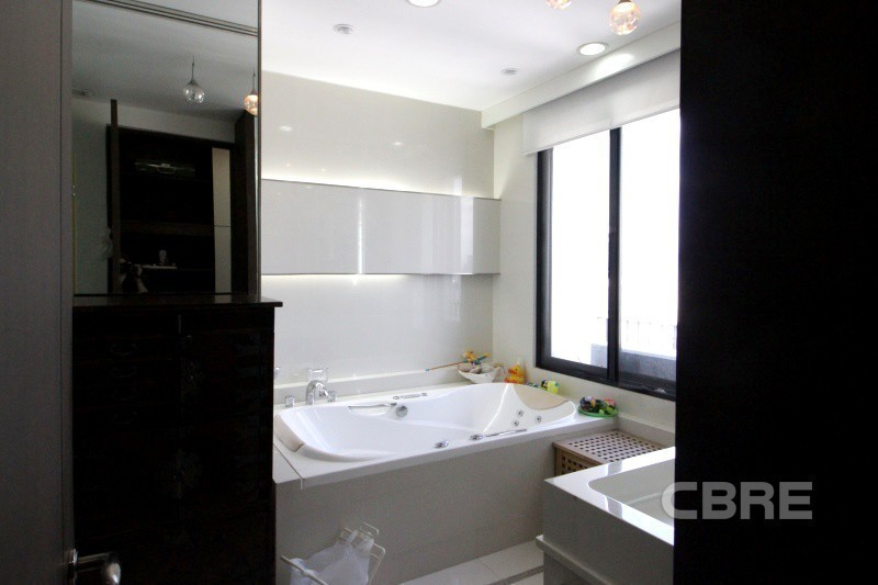 Icon III - For Sale 3 Beds コンド in Watthana, Bangkok, Thailand | Ref. TH-KOLPNYWV