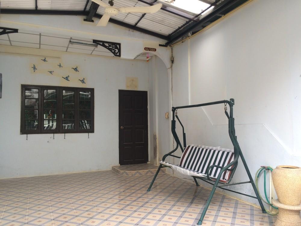 В аренду: Таунхаус с 2 спальнями в районе Saphan Sung, Bangkok, Таиланд | Ref. TH-SFUFXDYG