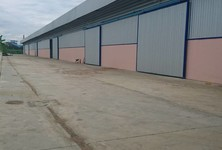 For Rent Warehouse 400 sqm in Mueang Samut Sakhon, Samut Sakhon, Thailand