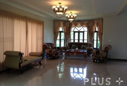 For Sale 5 Beds House in Samut Prakan, Central, Thailand