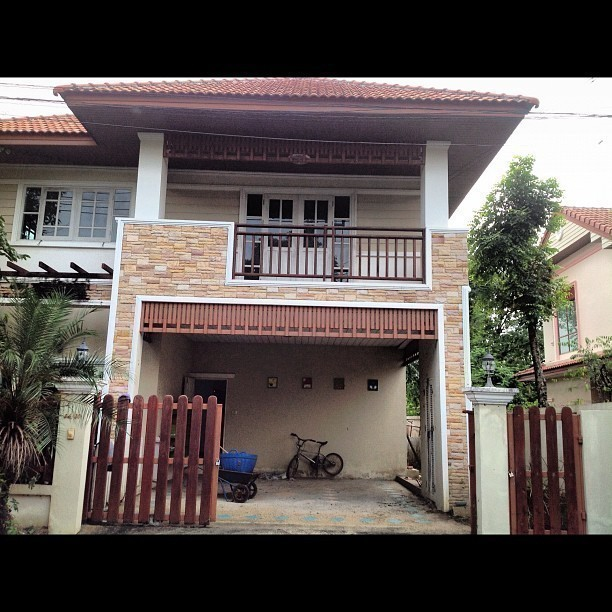 For Sale 3 Beds 一戸建て in Mueang Nonthaburi, Nonthaburi, Thailand | Ref. TH-EATNPZFX