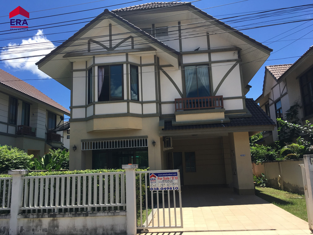 For Sale 3 Beds 一戸建て in Si Racha, Chonburi, Thailand | Ref. TH-WCGYQVNL