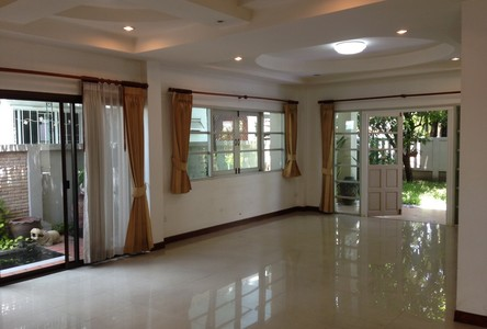 For Rent 3 Beds House in Lat Phrao, Bangkok, Thailand