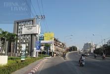For Rent 3 Beds Condo in Bang Kapi, Bangkok, Thailand