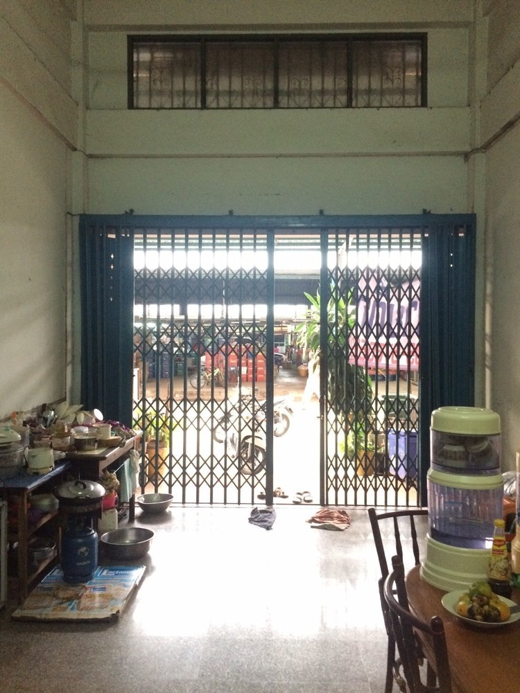 For Sale 3 Beds タウンハウス in Mueang Nakhon Pathom, Nakhon Pathom, Thailand | Ref. TH-UUNERUZL