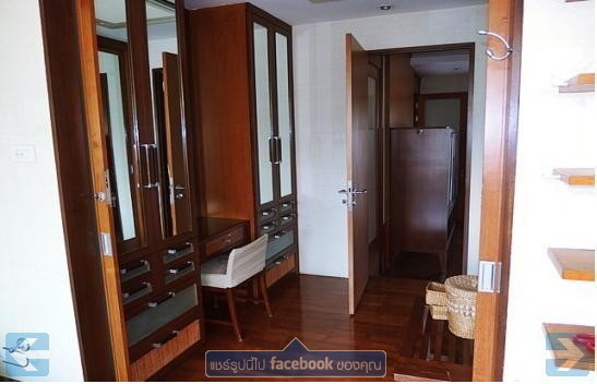 For Sale 3 Beds Townhouse in Watthana, Bangkok, Thailand | Ref. TH-NVLSWGZG