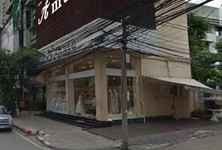 For Sale Shophouse 164 sqm in Watthana, Bangkok, Thailand