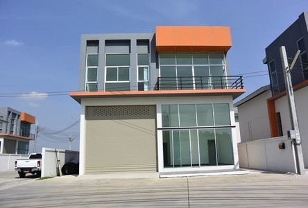 For Sale Warehouse 700 sqm in Bang Khun Thian, Bangkok, Thailand