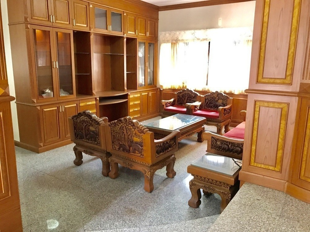 For Sale 3 Beds House in Mueang Nakhon Sawan, Nakhon Sawan, Thailand | Ref. TH-PRARSZGP