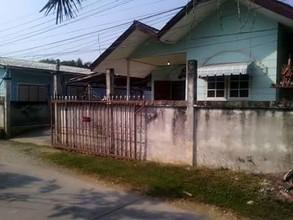 Located in the same area - Mueang Nakhon Sawan, Nakhon Sawan