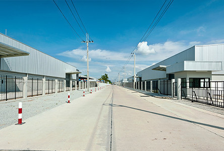 For Rent Warehouse 1,980 sqm in Bang Sao Thong, Samut Prakan, Thailand