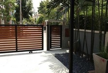 For Sale or Rent 5 Beds House in Prawet, Bangkok, Thailand