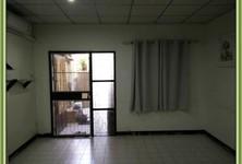 В аренду: Таунхаус с 2 спальнями в районе Mueang Nonthaburi, Nonthaburi, Таиланд