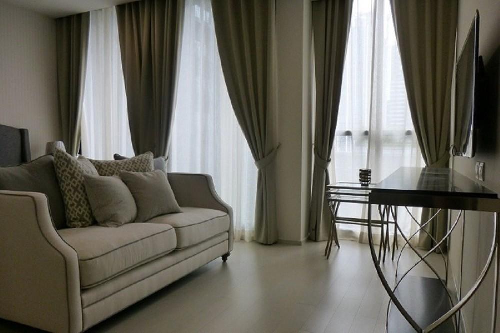 Noble Ploenchit - В аренду: Кондо c 1 спальней возле станции BTS Phloen Chit, Bangkok, Таиланд   Ref. TH-HFLFFSJQ
