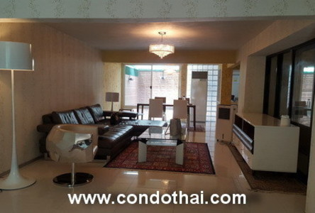 For Rent 1 Bed タウンハウス in Watthana, Bangkok, Thailand