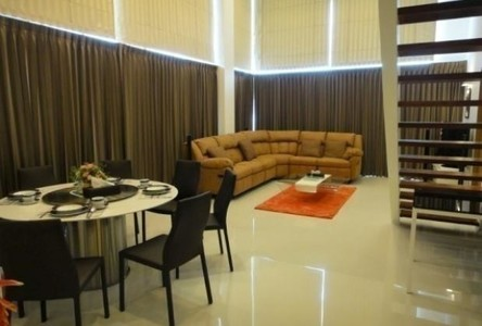 For Sale or Rent 4 Beds Condo in Bang Lamung, Chonburi, Thailand