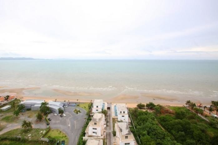 La Royale - For Sale 3 Beds Condo in Bang Lamung, Chonburi, Thailand | Ref. TH-INBYLKHT