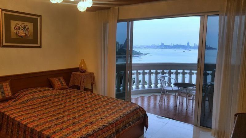 Park Beach Condominium - For Sale 3 Beds Condo in Bang Lamung, Chonburi, Thailand | Ref. TH-YEUOOYPA