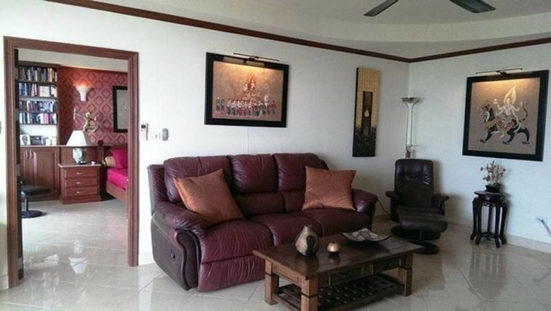 View Talay 5 - For Sale 1 Bed Condo in Bang Lamung, Chonburi, Thailand | Ref. TH-ZRULLGTT