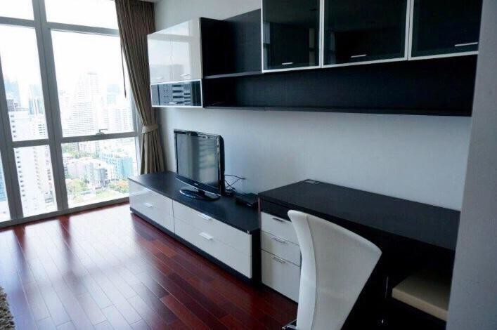 Athenee Residence - For Sale or Rent 4 Beds Condo Near BTS Phloen Chit, Bangkok, Thailand | Ref. TH-ZAHOOFOP