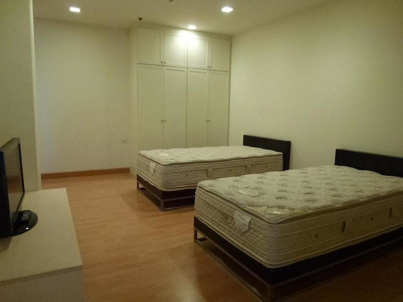Nusasiri Grand - For Sale or Rent 2 Beds Condo Near BTS Ekkamai, Bangkok, Thailand   Ref. TH-HZRNLKFW