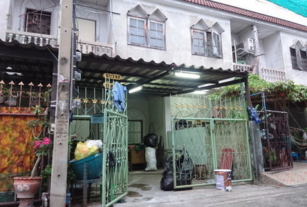 For Sale 2 Beds Townhouse in Bang Sue, Bangkok, Thailand