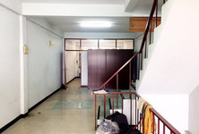 For Rent 3 Beds Shophouse in Phra Khanong, Bangkok, Thailand