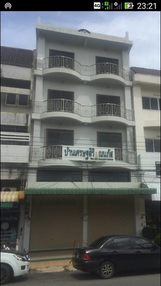 For Rent 9 Beds Shophouse in Mueang Phitsanulok, Phitsanulok, Thailand | Ref. TH-DENFBVOG