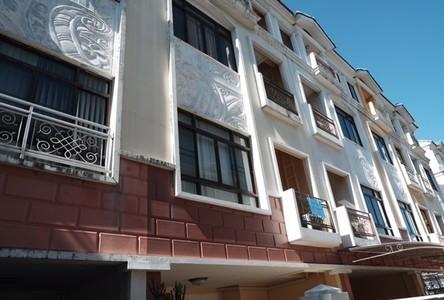 В аренду: Таунхаус с 3 спальнями в районе Yan Nawa, Bangkok, Таиланд