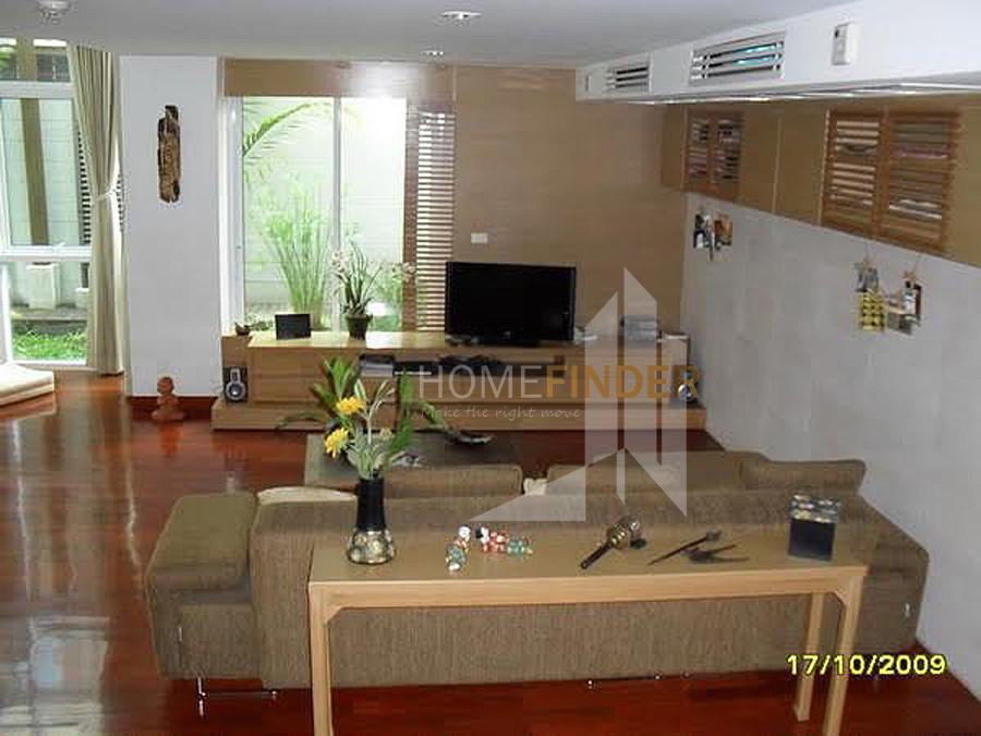 Urbana Sukhumvit 15 - For Sale 3 Beds Condo in Watthana, Bangkok, Thailand | Ref. TH-LSPNHNOF