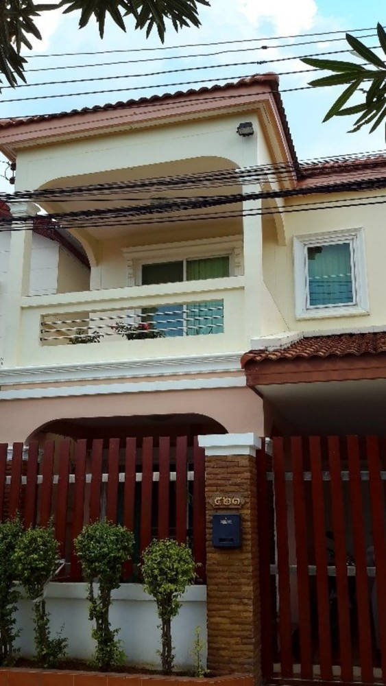 For Sale 3 Beds House in Bang Khae, Bangkok, Thailand   Ref. TH-EAJTSKWR