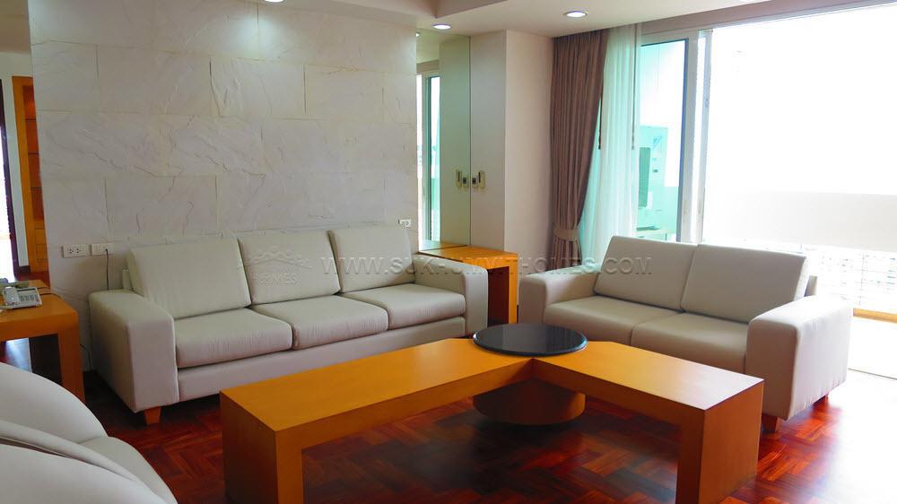 The Grand Sethiwan Sukhumvit 24 - В аренду: Кондо с 3 спальнями в районе Khlong Toei, Bangkok, Таиланд   Ref. TH-XFHOYFCX