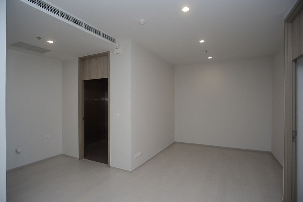 Noble ploenchit for sale 2 beds condo near bts phloen for Homes for sale under 50 000 near me