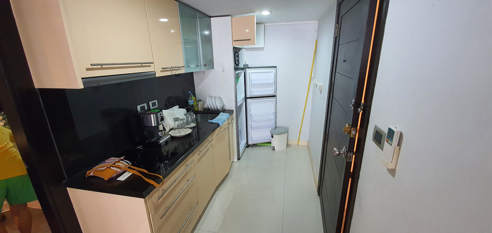 Pattaya Heights - For Sale or Rent 1 Bed Condo in Bang Lamung, Chonburi, Thailand | Ref. TH-MRCSWLGQ