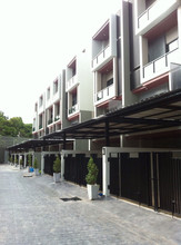 Located in the same area - Mueang Trang, Trang