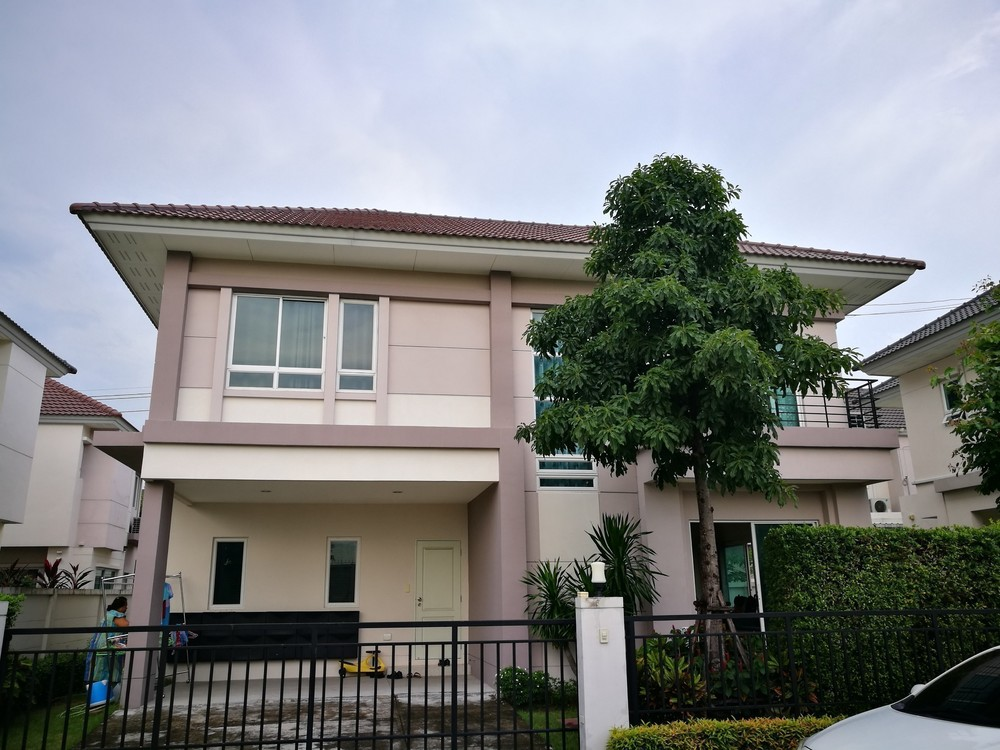 For Sale 4 Beds House in Saphan Sung, Bangkok, Thailand   Ref. TH-OIDTDFRD
