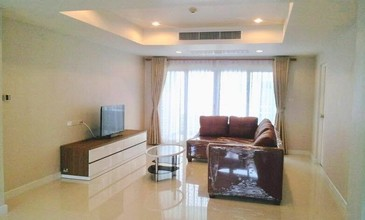 Located in the same area - Tonson Court