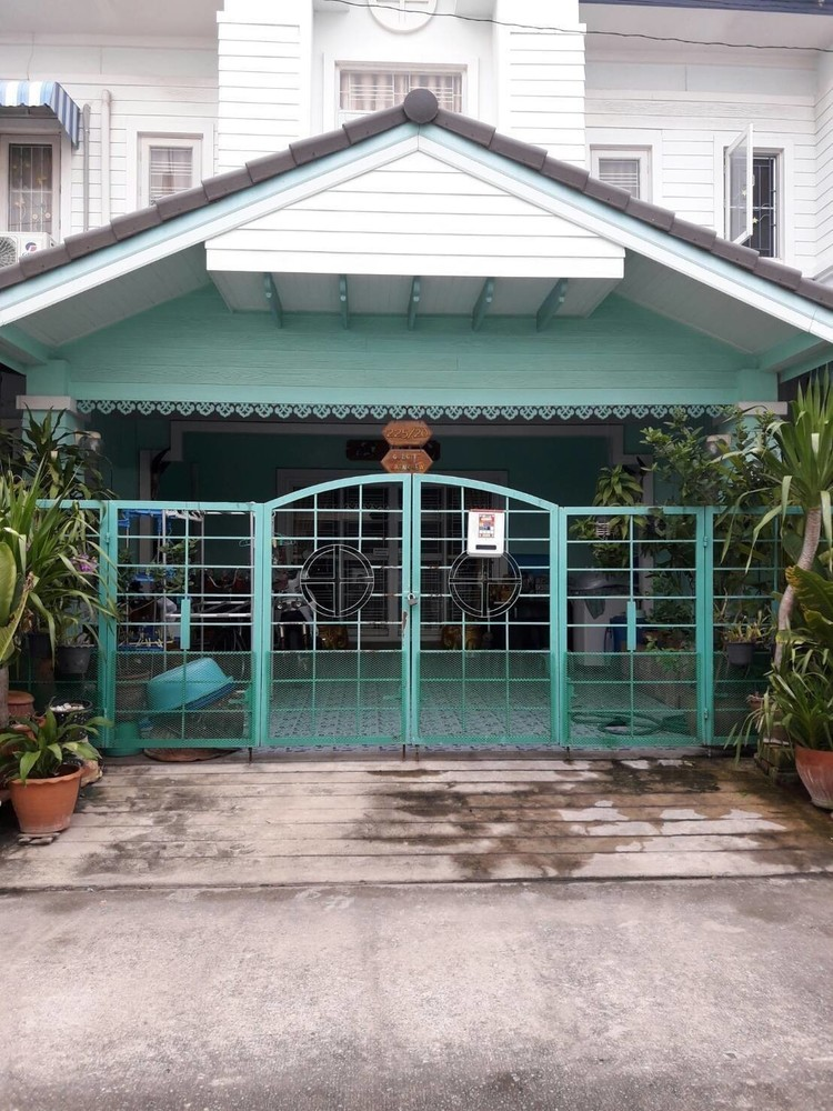 For Sale 3 Beds タウンハウス in Lam Luk Ka, Pathum Thani, Thailand   Ref. TH-KFMRVKPZ