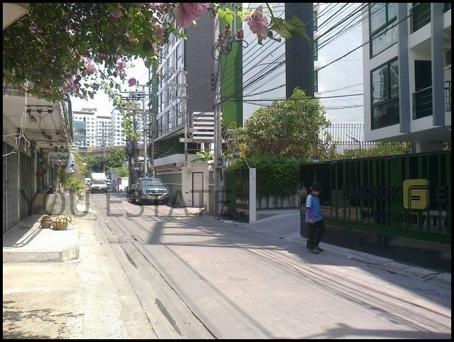 Bangkok Feliz Sukhumvit 69 - For Sale 3 Beds Condo Near BTS Phra Khanong, Bangkok, Thailand   Ref. TH-MYKKMSJF