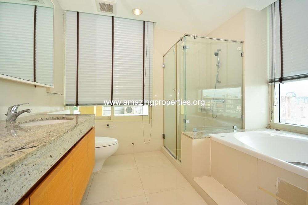 Baan Jamjuree - For Rent 3 Beds Condo in Watthana, Bangkok, Thailand | Ref. TH-EMOIUFAE